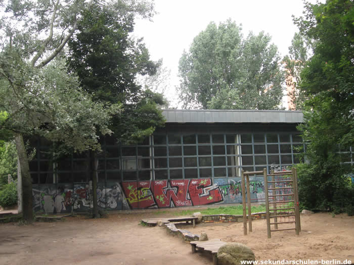 Alexander-Puschkin-Oberschule Sporthalle