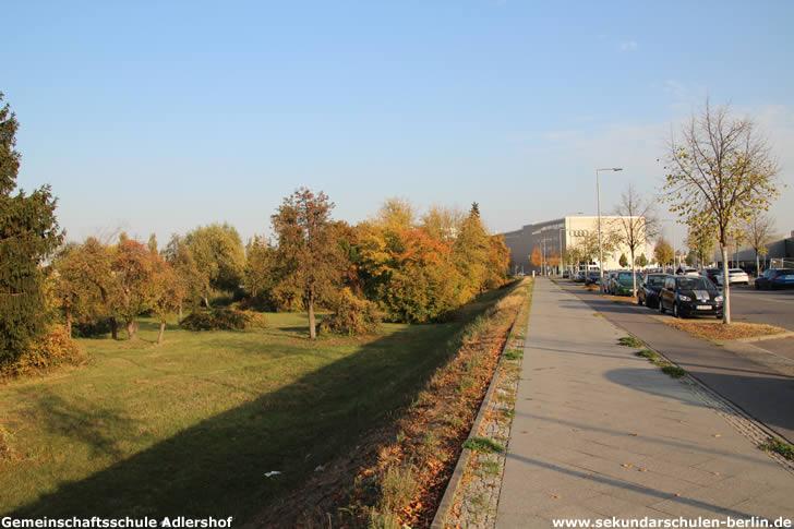Eisenhutweg, Blickrichtung Rudower Chaussee, Oktober 2018