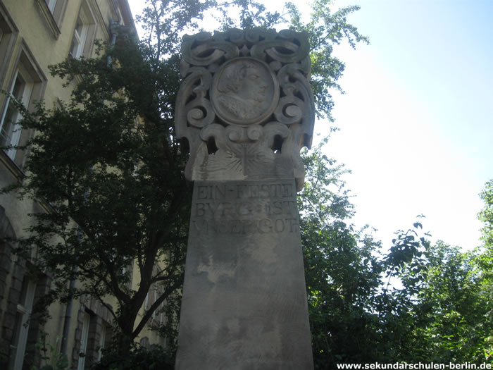 Stele mit Reliefbildnis Martin Luthers