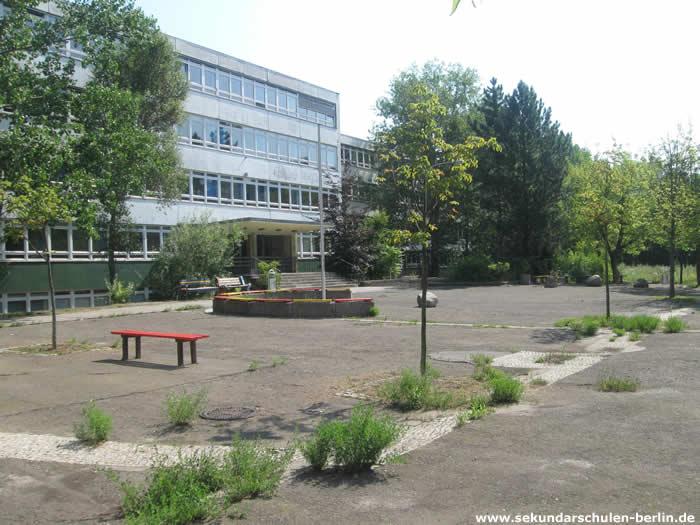 Gustave-Eiffel-Oberschule Schulhof