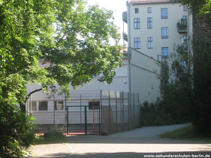 Hemingway-Oberschule Schulhof