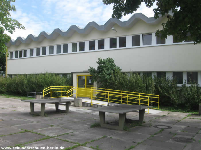 Johann-Julius-Hecker-Schule Sporthalle