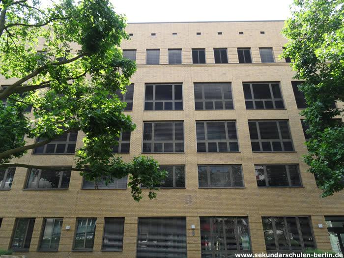 Leopold-Ullstein-Schule - OSZ Wirtschaft