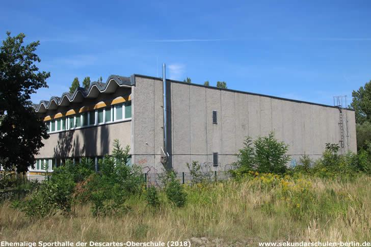 Ehemalige Sporthalle der Descartes-Oberschule (2018), vor Baubeginn abgerissen
