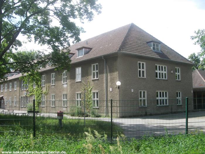 Schule am Staakener Kleeblatt, ehemals Kreiskrankenhaus Staaken