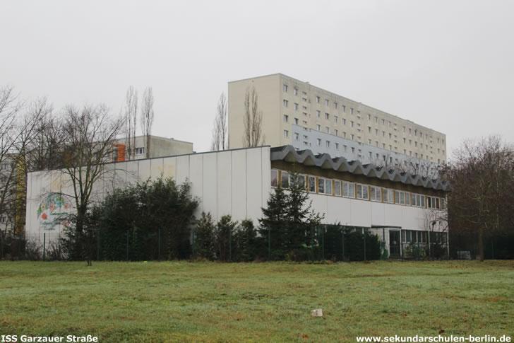 Sporthalle Buckower Ring 70 (ehemals Teil der Grundschule am Wuhletal) im Dezember 2019
